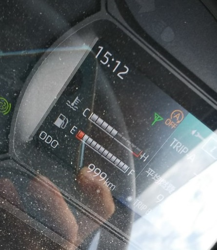 日野2tトラック デュトロ 走行距離999km