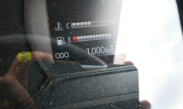 日野2tトラック デュトロ 走行距離1,000km