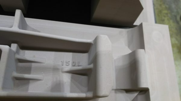 機械加工 鋳出し文字