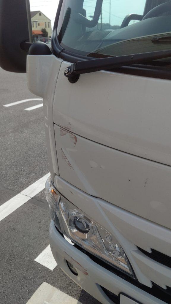 新車トラック 擦り傷
