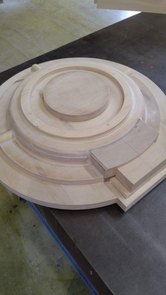機械の部品の劣化による割れた鋳物から木型製作