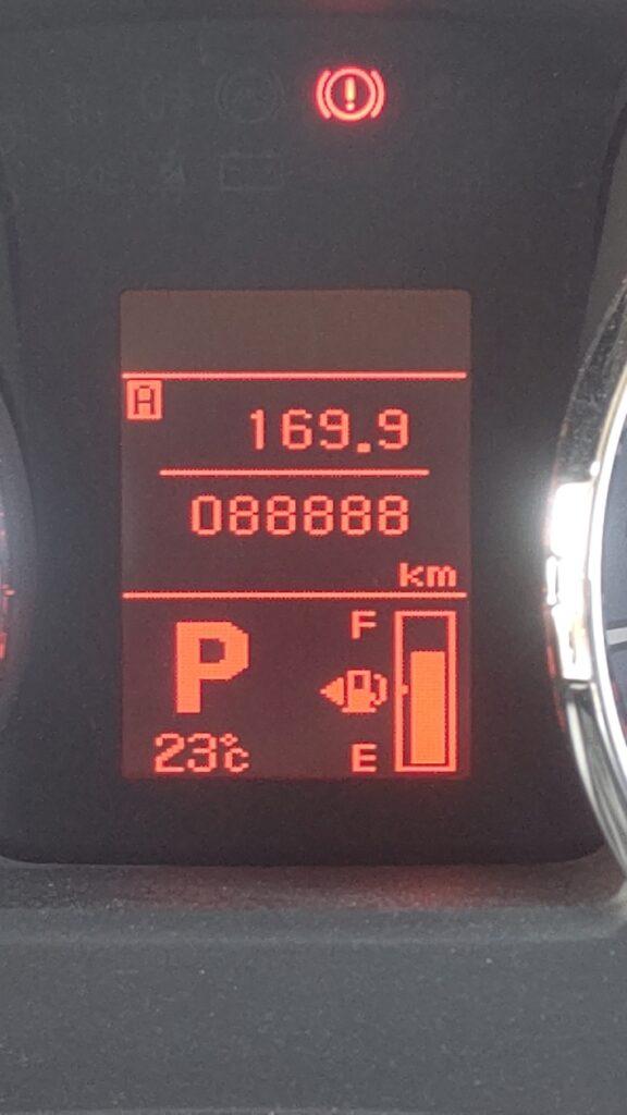デリカの走行距離のぞろ目 88,888km